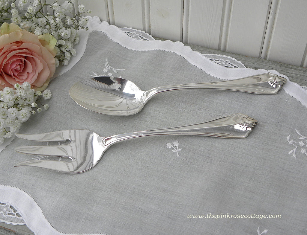 "Oneida ""King James"" Silver Plate Serving Meat Fork and Spoon Fleur de Lis - The Pink Rose Cottage"