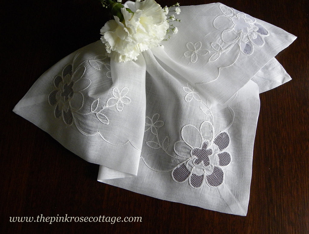 Vintage Linen Peek-A-Boo Net Lace Daisies Bridal Wedding Handkerchief - The Pink Rose Cottage