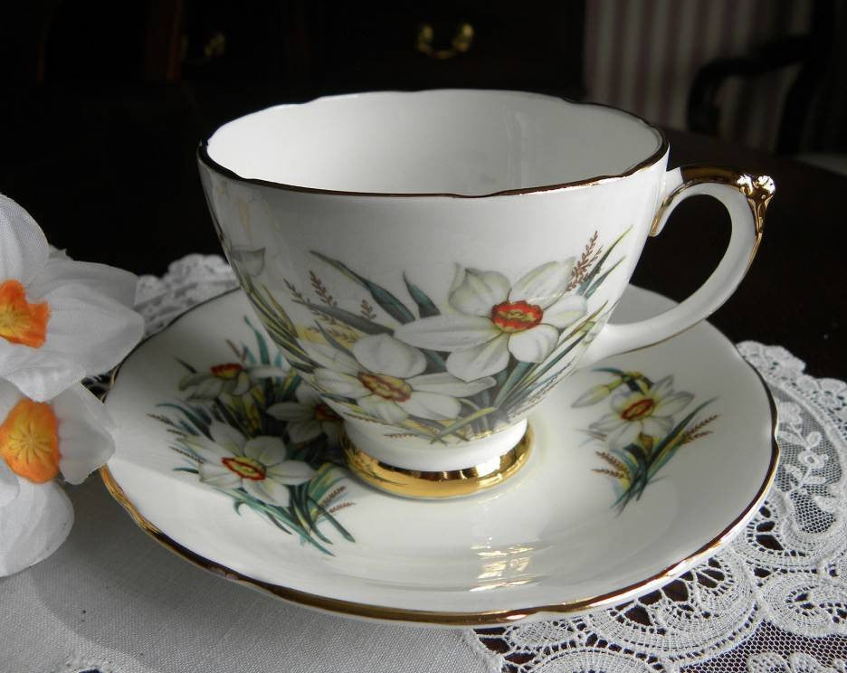 Delphine China Spring Narcissus Teacup and Saucer - The Pink Rose Cottage