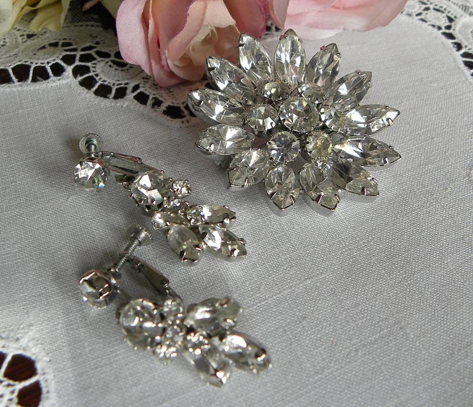 Vintage Rhinestone Pin Brooch and Dangle Earrings Set - The Pink Rose Cottage