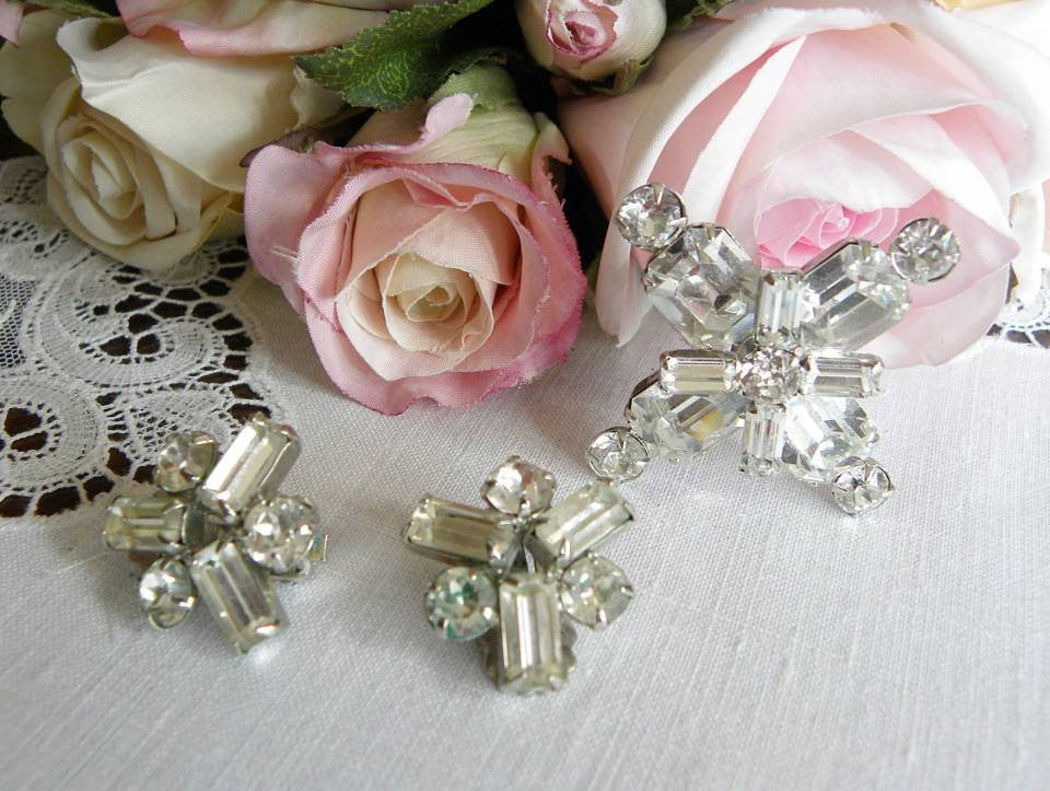 Vintage Weiss Crystal Rhinestone Brooch Pin and Earrings - The Pink Rose Cottage