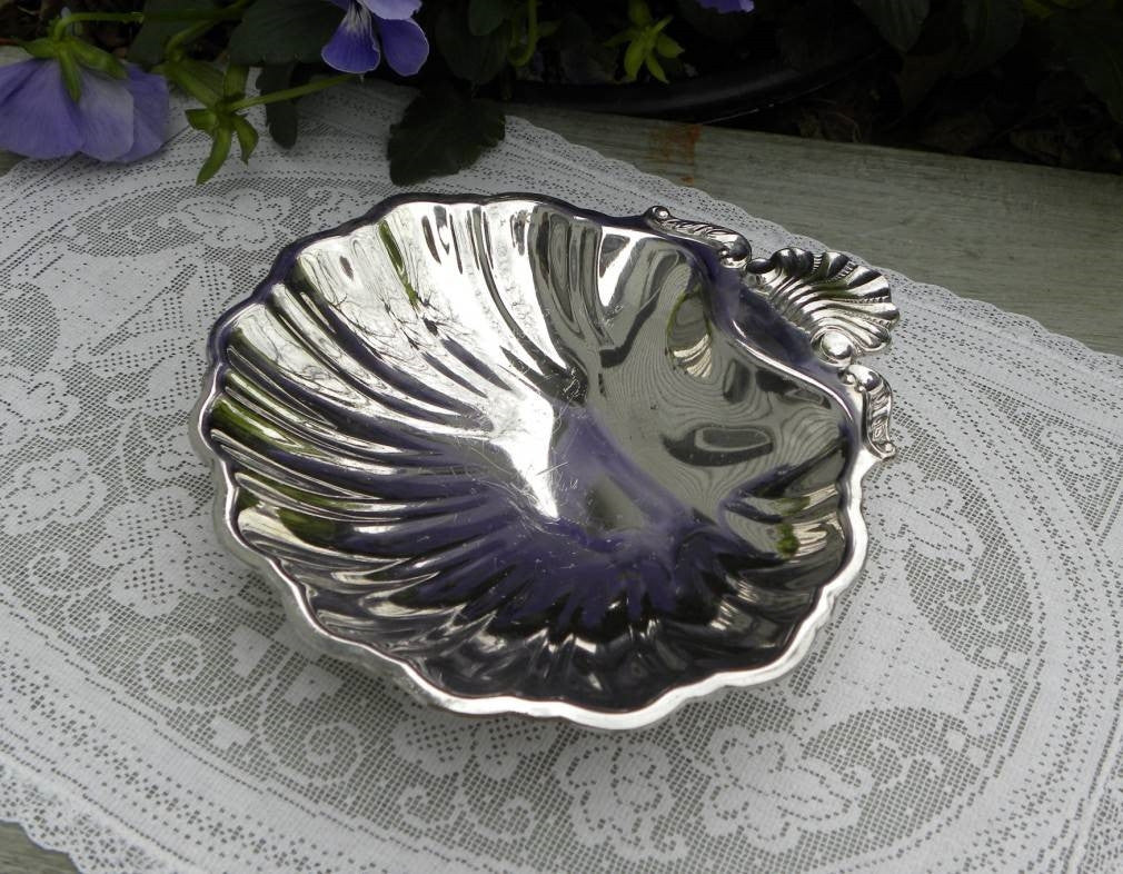 Vintage Silver Plated Shell Shaped Bowl Trinket Dish - The Pink Rose Cottage