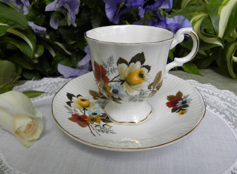Vintage Pedestal Teacup and Saucer Yellow Rose - The Pink Rose Cottage