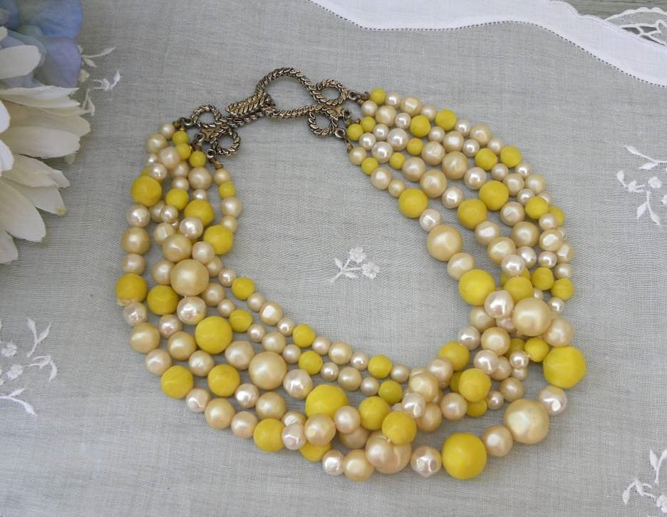 Vintage Yellow and Cream Beaded Choker Necklace - The Pink Rose Cottage