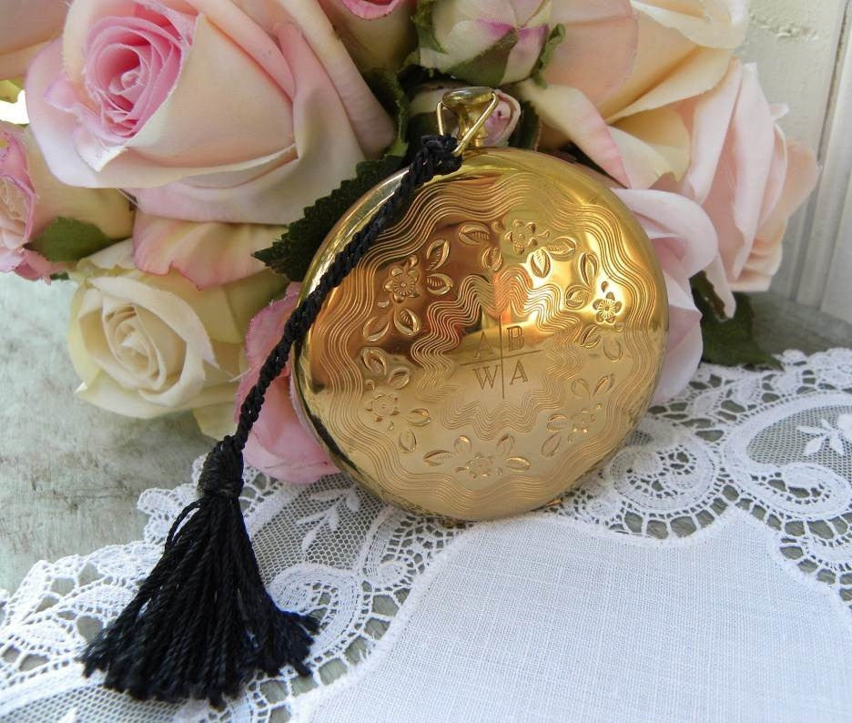 Vintage Rex 5th Avenue Pocket Watch Powder Compact - The Pink Rose Cottage