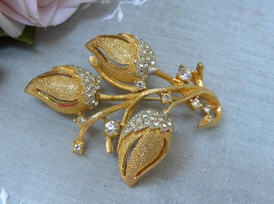Vintage BSK Rhinestone Flower Bud Brooch Pin - The Pink Rose Cottage