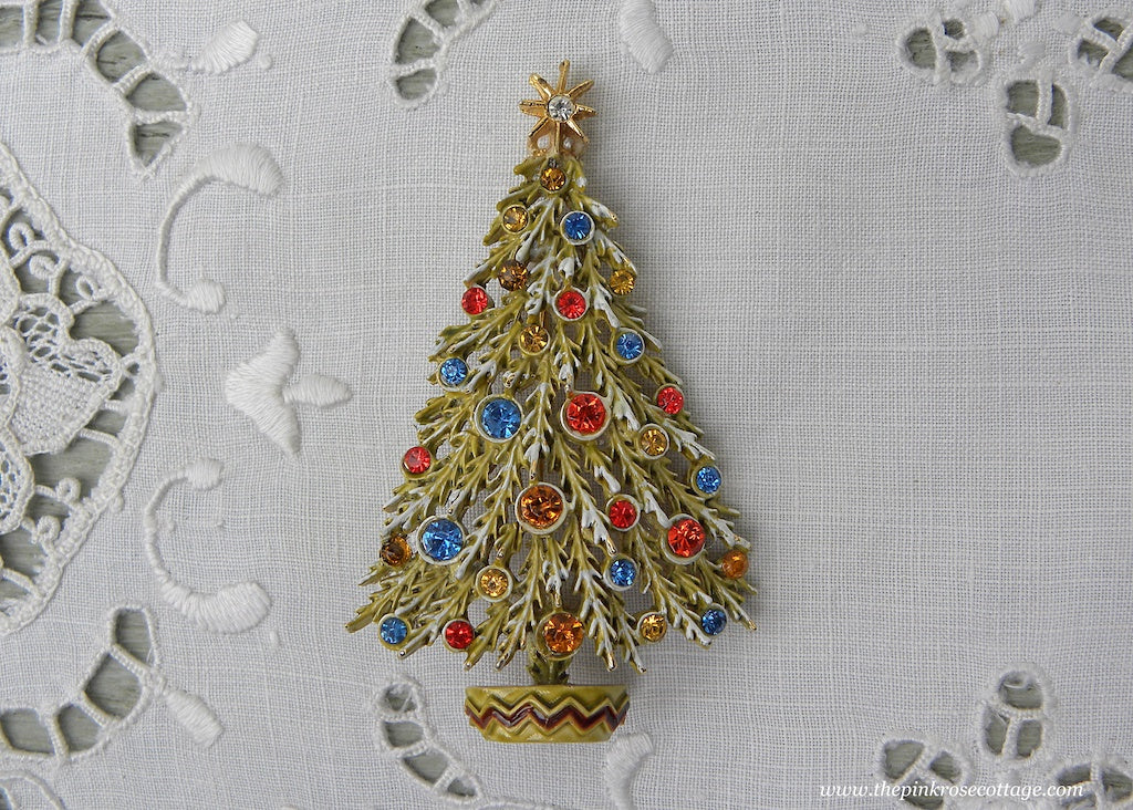 Vintage ART Enameled Christmas Tree Pin with Colorful Rhinestones