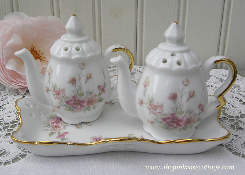 Pink Floral Teapots on Tray Salt and Peppershakers