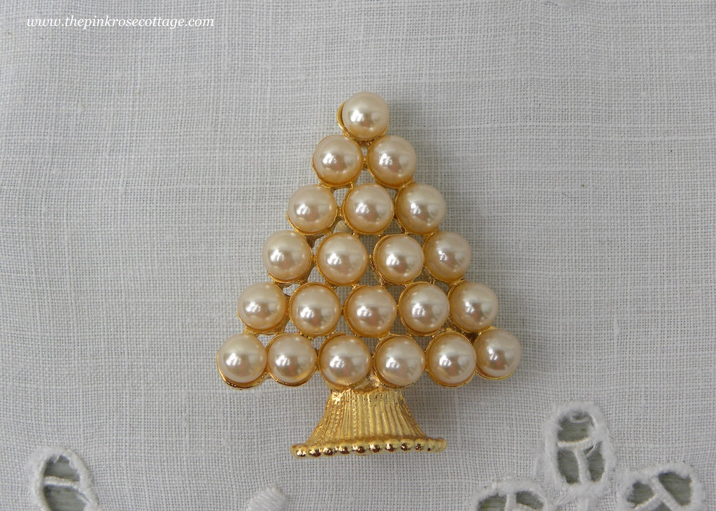 Vintage Pearl Christmas Tree Pin