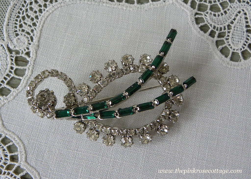 Vintage Paisley Clear and Emerald Green Rhinestone Pin Brooch
