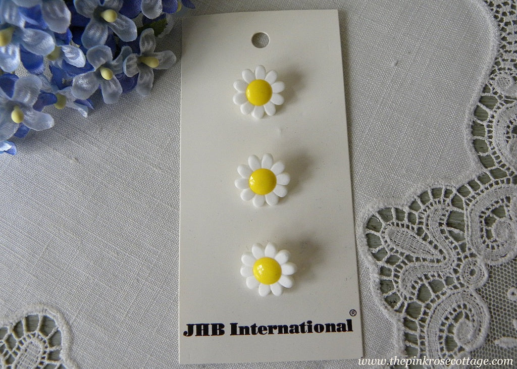 JHB International Daisy Daisies Shank Buttons - The Pink Rose Cottage