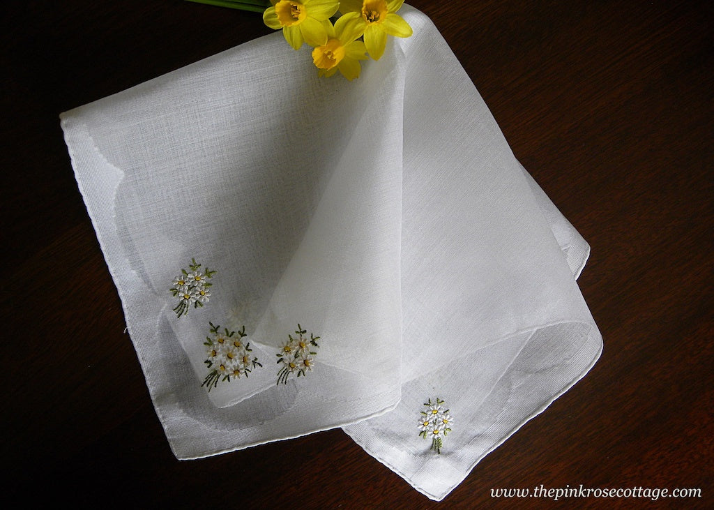 Vintage Sheer Linen Embroidered Daisy Bouquets Handkerchief