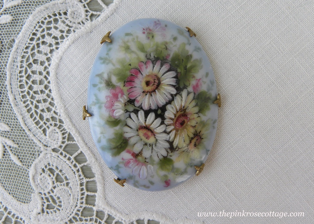 Antique Victorian Edwardian Hand Painted Daisies Pin Brooch - The Pink Rose Cottage