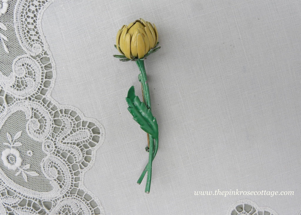 Vintage Weiss Enameled Yellow Chrysanthemum Bud Pin