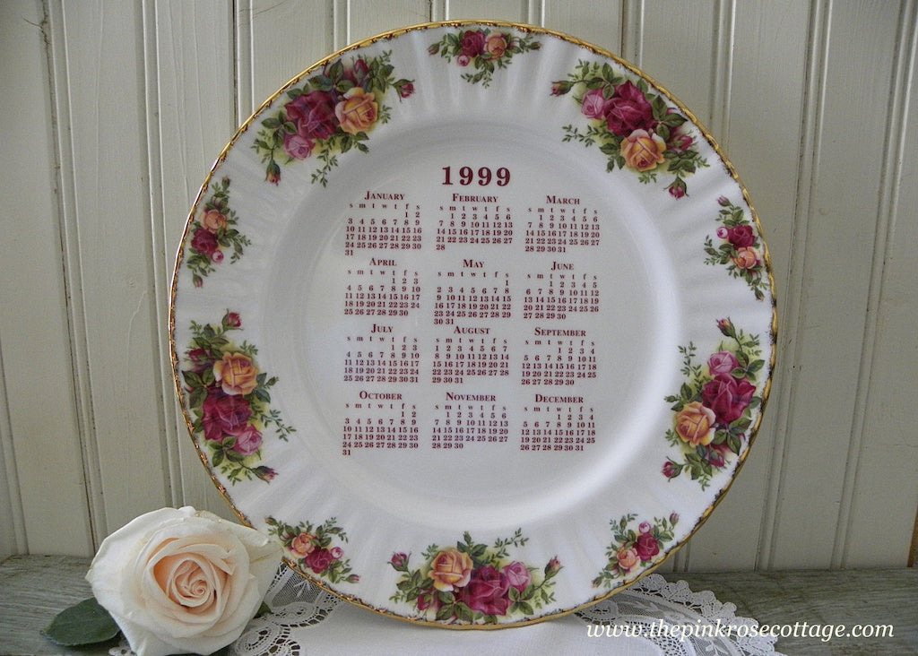 Royal Albert Old Country Roses 1999 Calendar Plate - The Pink Rose Cottage