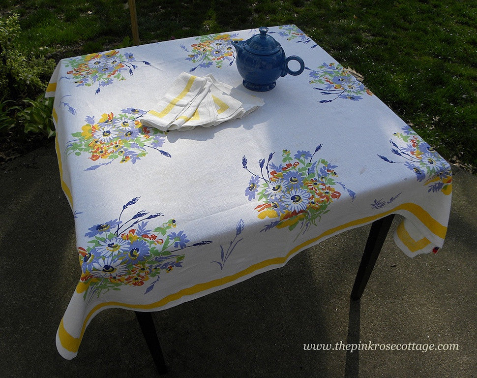 Vintage Pride of Flanders Wilendur Daisy Bouquet Tablecloth and Napkins - The Pink Rose Cottage