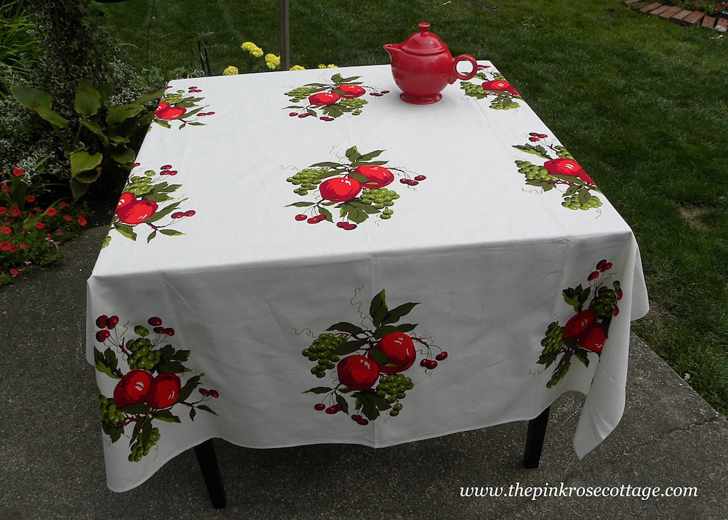 Unused Vintage Wilendur Wilendure Apple Grapes and Cherries Tablecloth