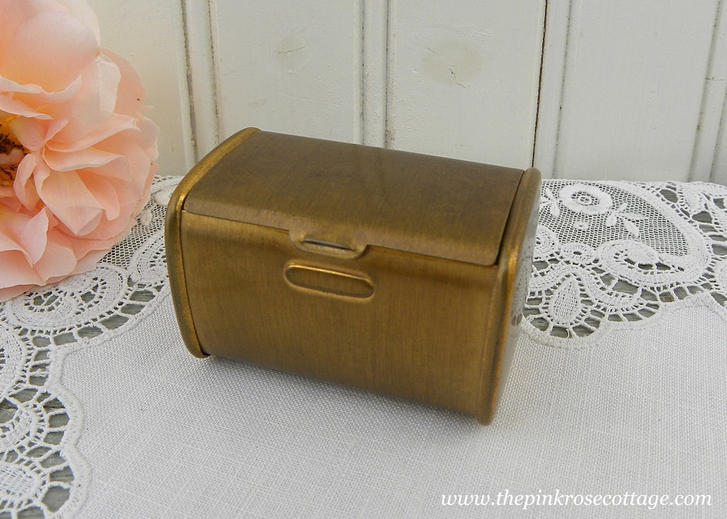 Vintage Brushed Gold Square Powder Compact Lipstick Holder