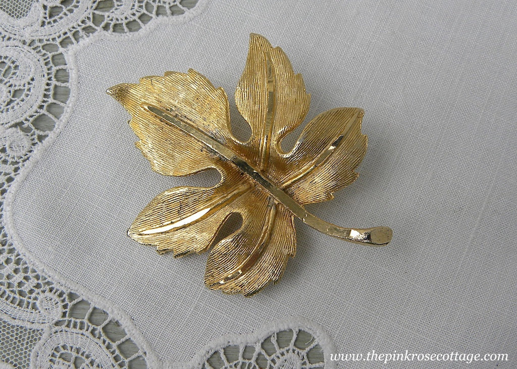 Vintage Gold Fall Autumn Leaf Brooch Pin