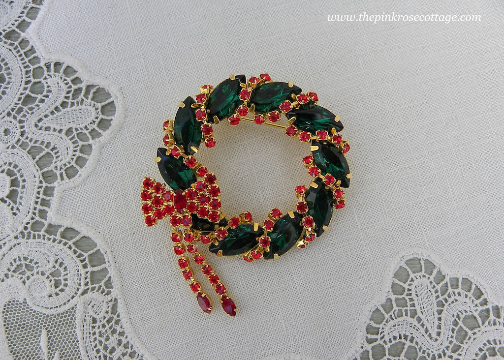 Vintage Rhinestone Christmas Wreath and Bow Pin Brooch