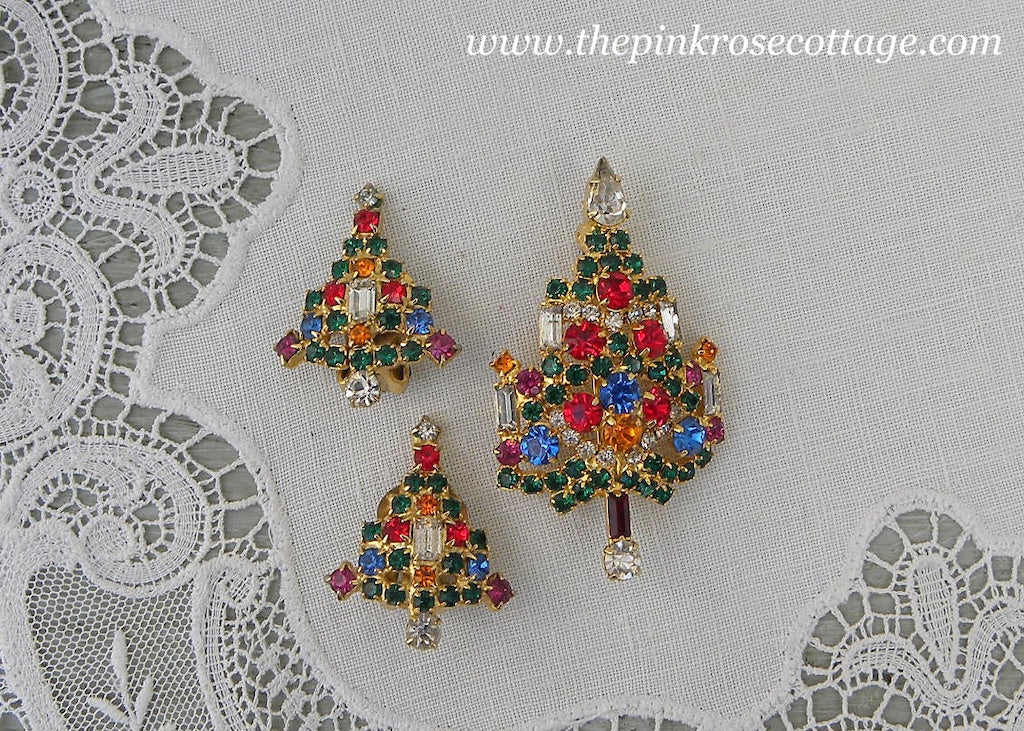 Vintage Warner Rhinestone Christmas Tree Pin and Earrings Set