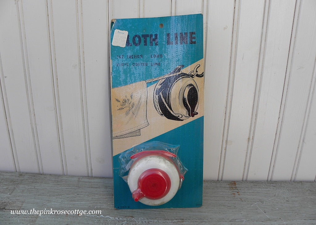 NIP Vintage Red and White Laundry Cloth Line