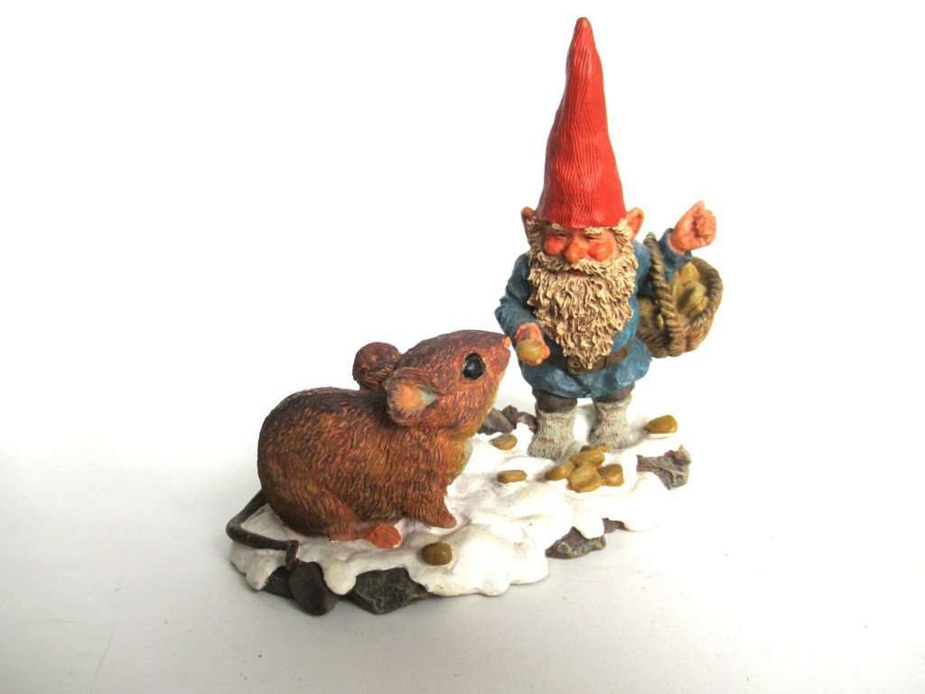 David The Gnome Rien Poortvliet Gnome Feeding Mouse