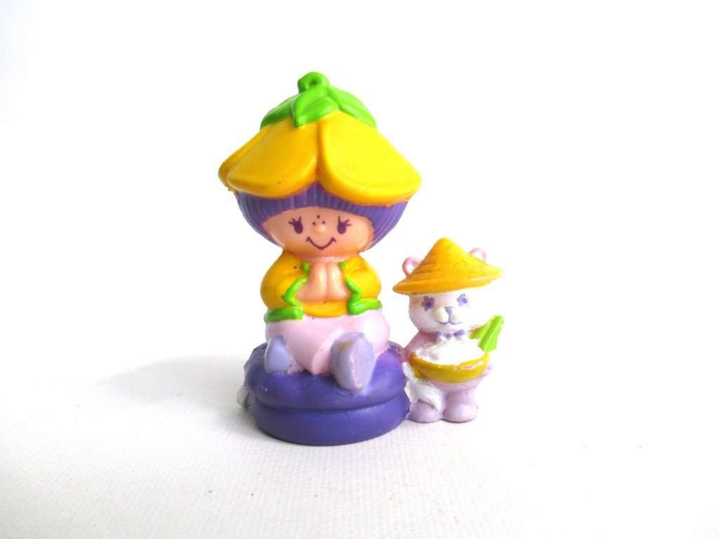 UpperDutch:Figurines,Strawberry Shortcake miniature pvc figurine, Almond Tea with Marza Panda.