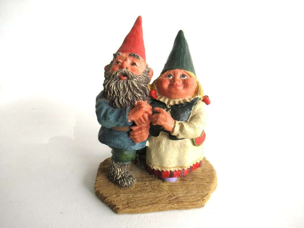 UpperDutch:Gnomes,Classic Gnomes 'Looking to the Moon' Gnome figurine after a design by Rien Poortvliet