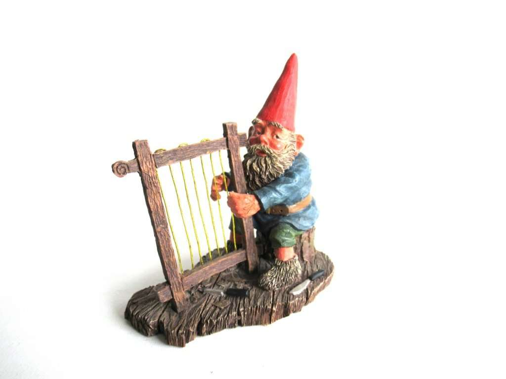 UpperDutch:Gnomes,Classic Gnomes 'Cornelius' Gnome figurine after a design by Rien Poortvliet, Gnome playing Harp