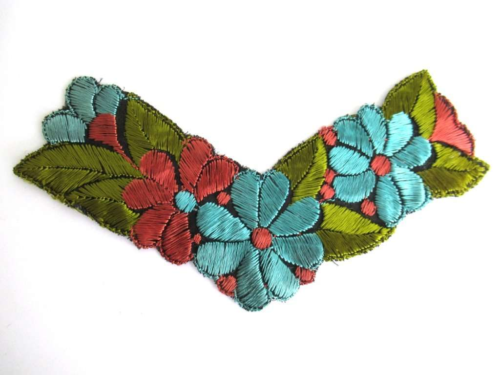 UpperDutch:Sewing Supplies,Floral Trim Applique, 1930s embroidered applique. Sewing supply.