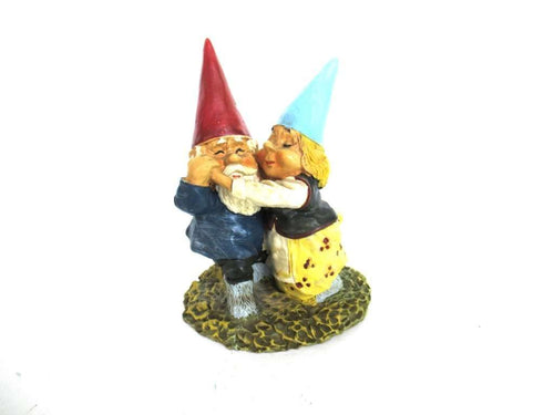 UpperDutch:Gnomes,Rien Poortvliet gnome Dancing Gnome couple. David the gnome, Klaus wickl.