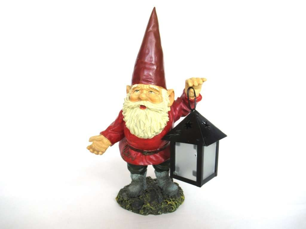 UpperDutch:Gnomes,Gnome with Lantern. Rien Poortvliet, David the Gnome, Outdoor decor, el Gnomo.