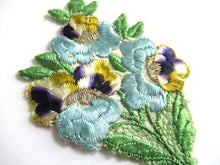 UpperDutch:Sewing Supplies,1930s Flower applique Vintage embroidered applique. Vintage floral patch, sewing supply.