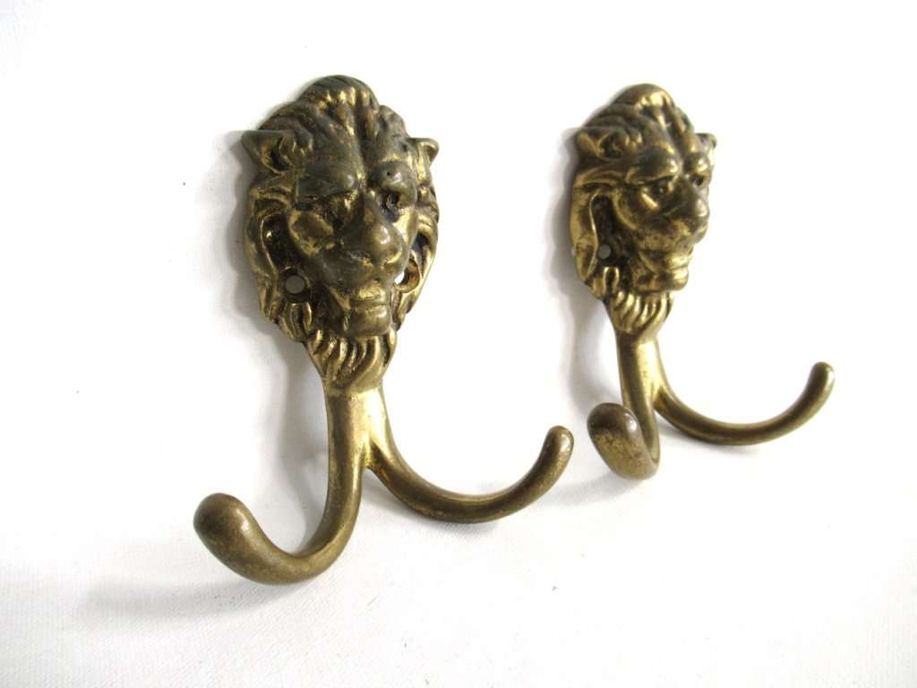 UpperDutch:Hooks and Hardware,Lion Wall hooks, Set of 2 Brass Lion Head Coat hook, Wall hooks, Solid Brass.