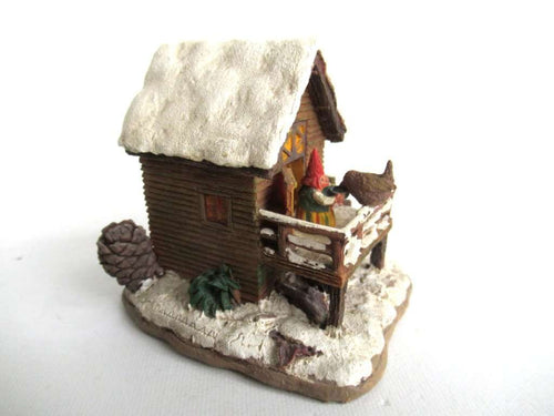 UpperDutch:Gnomes,Gnome figurine Rien Poortvliet Classic Gnomes Villages 'House with Wren'.