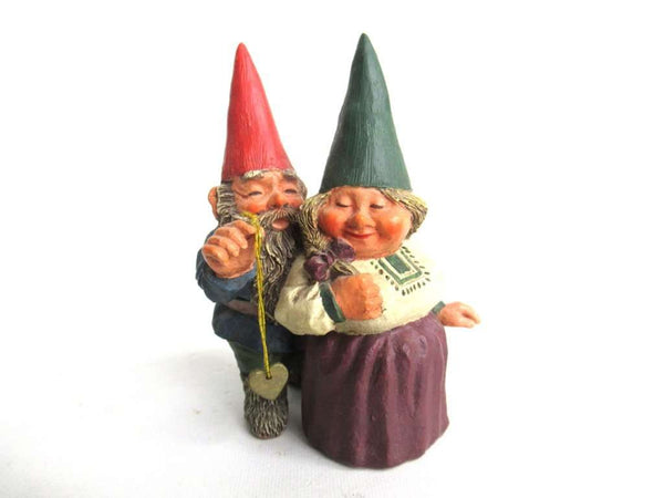 UpperDutch:Gnomes,Gnomes 'Richard and Rosemary' gnome figurine after a design by Rien Poortvliet.