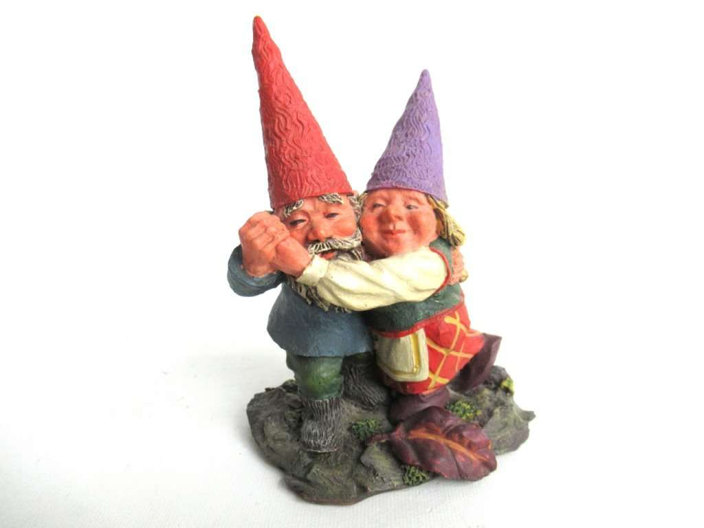 UpperDutch:Gnomes,Rien Poortvliet gnome Dancing Gnome couple. Classic Gnomes 'Fryda and Fred Dancing'.