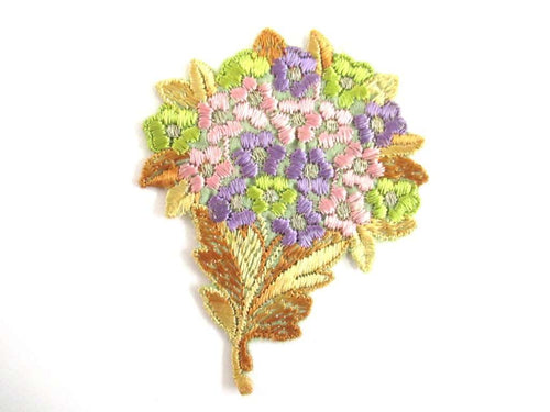 UpperDutch:Sewing Supplies,Flower applique 1930s Vintage floral patch, sewing supply.