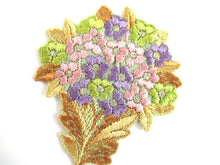 UpperDutch:,Flower applique 1930s Vintage floral patch, sewing supply.