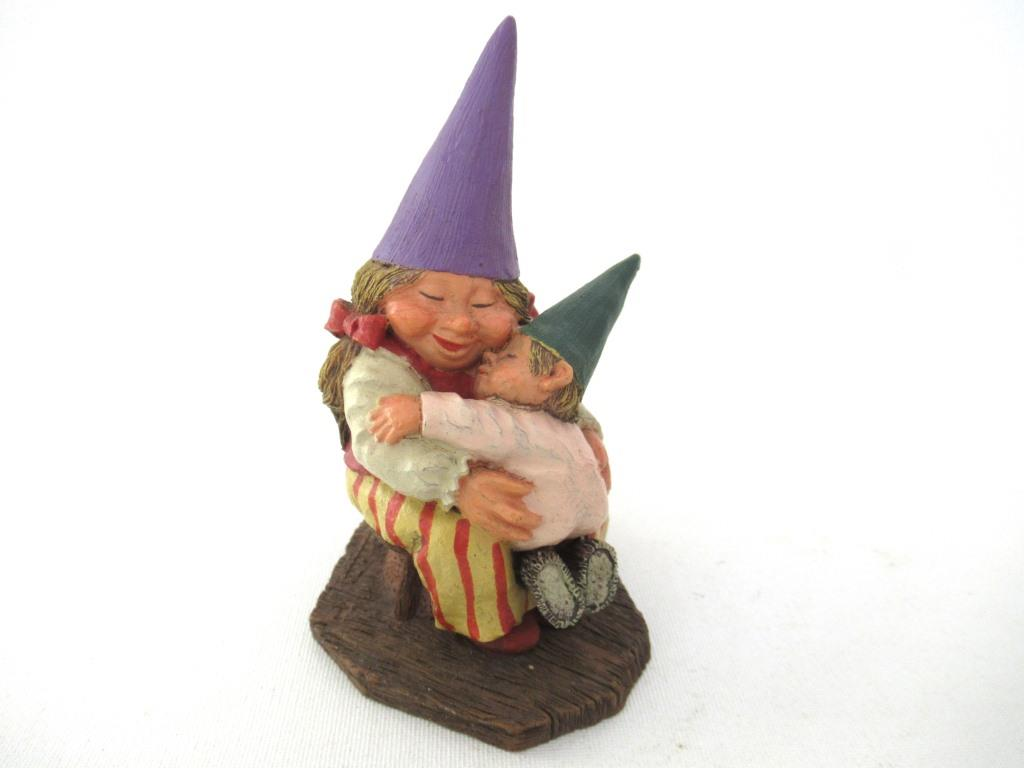 UpperDutch:Gnome,Classic Gnomes 'Corrina' Gnome figurine with baby after a design by Rien Poortvliet
