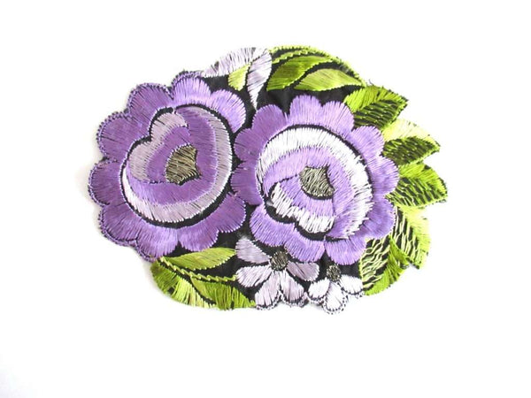 UpperDutch:Sewing Supplies,Silk Purple Flower applique, 1930s Vintage floral patch Sewing supply