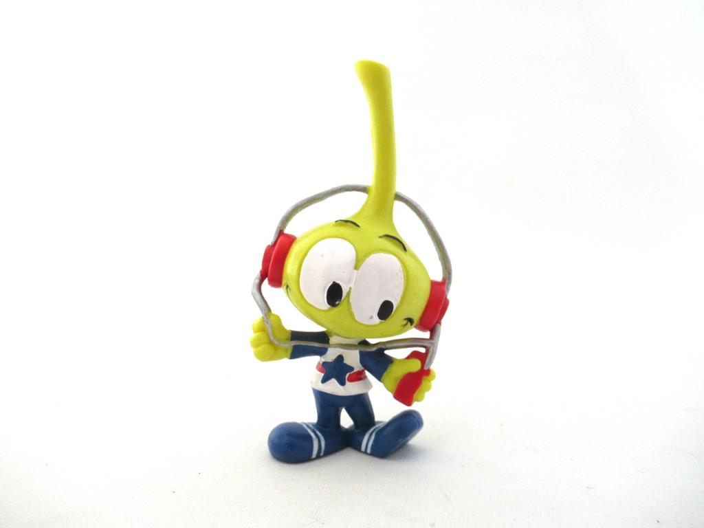 UpperDutch:Figurine,Snork Allstar with headphone, Schleich West-Germany The Snorks, Pvc figurine 1980's.