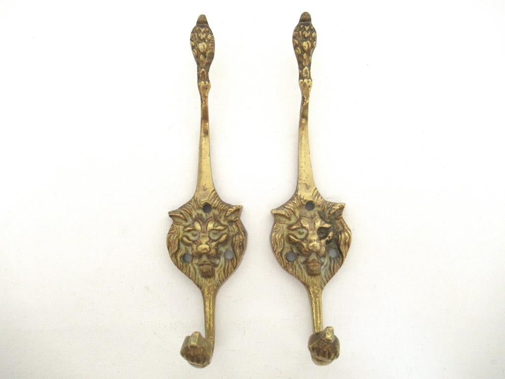 Set 2 pcs Antique Brass Lion Head Coat hooks, Wall hooks.