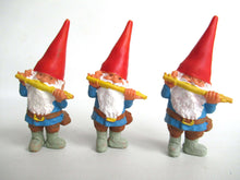 UpperDutch:,1 (ONE) David the Gnome figurine after a design by Rien Poortvliet, Collectible pocket gnome plays on flute,mini garden gnome. BRB / Startoys