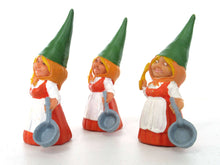 UpperDutch:Gnome,1 (ONE) Gnome figurine in Orange dress after a design by Rien Poortvliet, Brb Gnome cooking, Lisa the Gnome with cooking pan.