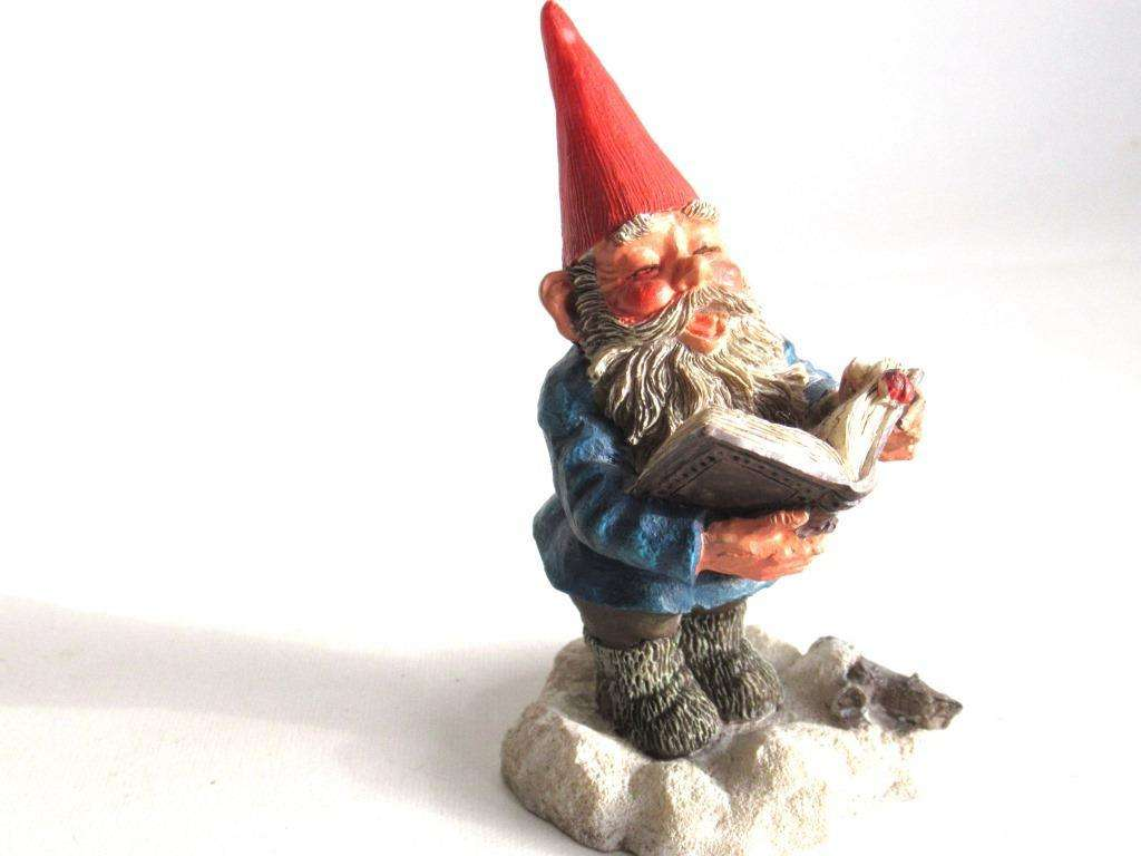 UpperDutch:Gnome,'Arthur' Reading, singing Gnome figurine. 1994 Classic gnomes series by AAAAAAA International Co. Ltd. Designed by Rien Poortvliet.