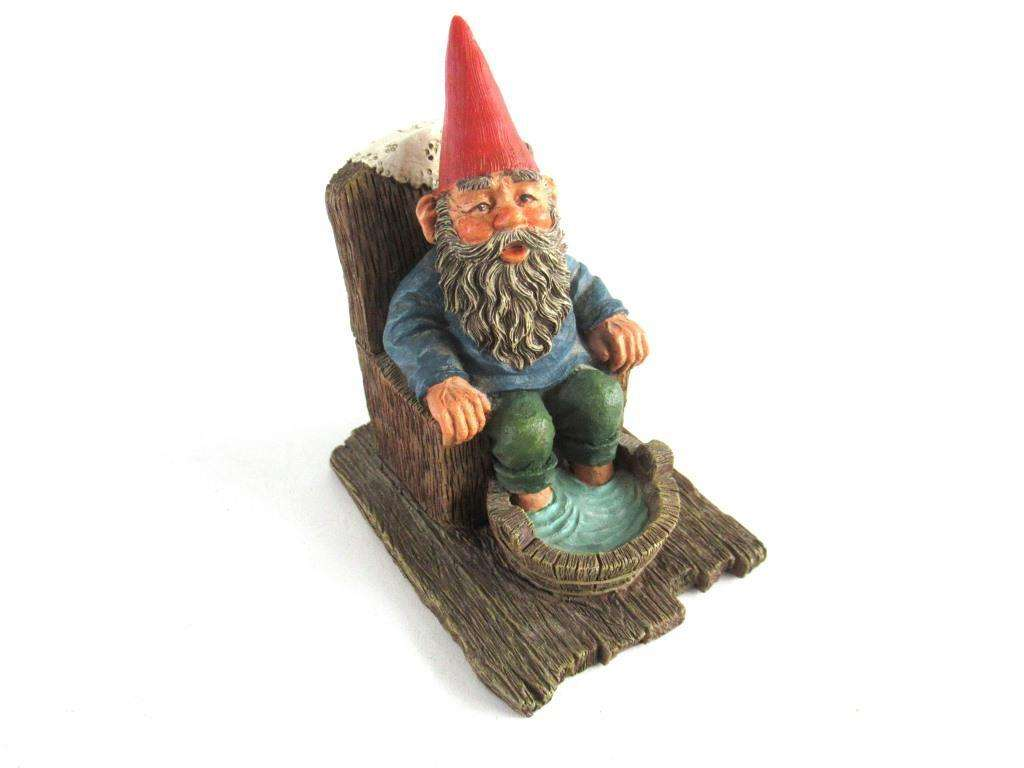 UpperDutch:Gnome,Classic Gnomes 'Bill' Gnome figurine after a design by Rien Poortvliet.