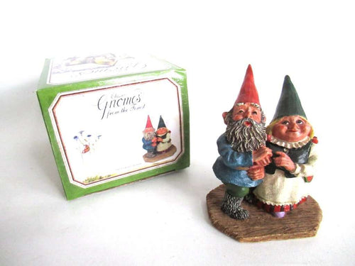 UpperDutch:Gnome,Classic Gnomes 'Looking to the Moon' Gnome figurine after a design by Rien Poortvliet