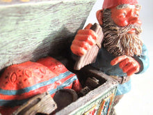 UpperDutch:,Classic Gnomes 'Max' after a design by Rien Poortvliet, Gnome with chest.